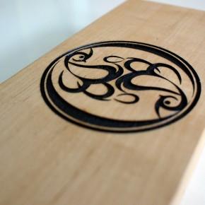 木製表札レーザー彫刻